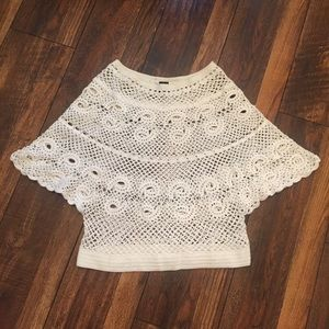 GP White Crocheted Coverlet Top